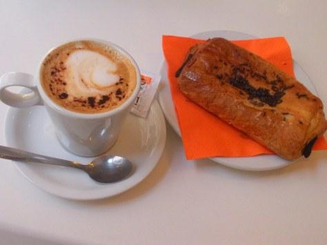 Cafe con leche + napolitana.