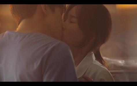 kiss scene