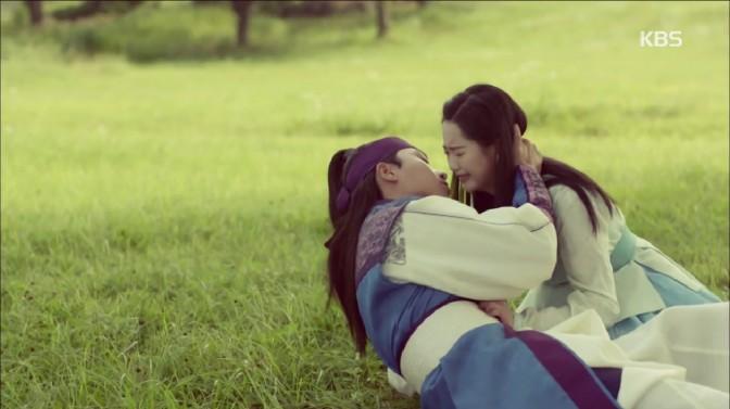Kiss-Of-The-Week: Park Seo Joon and Go Ara On Hwarang [Episode 10]